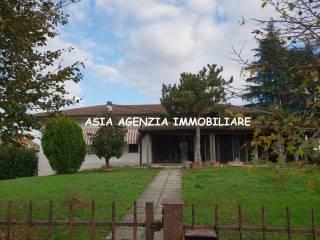 Foto - Villa unifamiliare via Azzanello, Castelvisconti