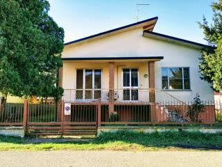 Photo - Single family villa via Antonio Gramsci 26, Gonzaga