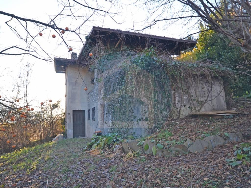 Vendita Cascina in via Valzello Losine. Buono stato, 1690 ...