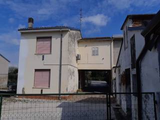 Photo - Single-family townhouse via Cantone 38, San Giacomo delle Segnate