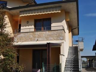 Foto - Piso de cuatro habitaciones via Giacomo Puccini 7, Pognano