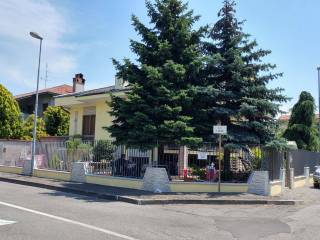 Photo - Two-family villa via Piero Gobetti 11, Parabiago
