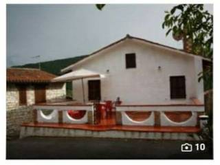 Foto - Terratetto unifamiliare via Villa d'Aria 16, Serrapetrona