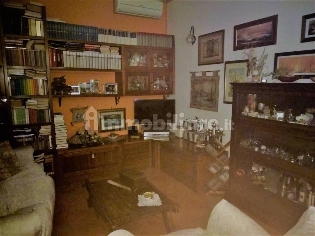 foto  Villa unifamiliare via Giovanni XXIII 16, Zelo Buon Persico