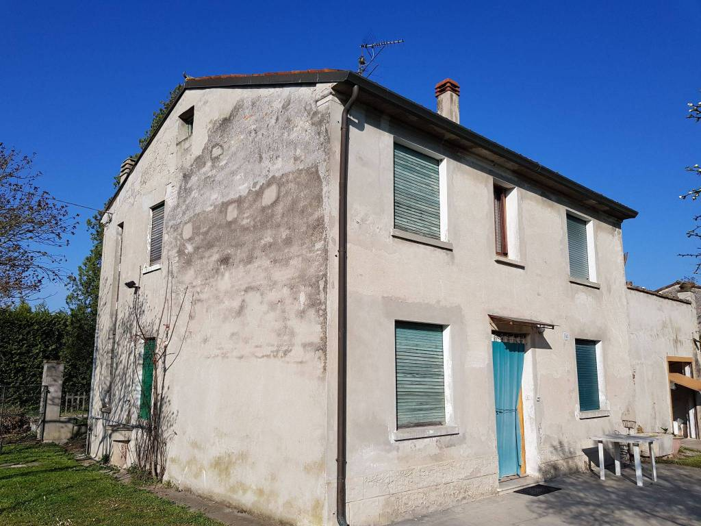 foto  Country house via Albarello, Sermide e Felonica