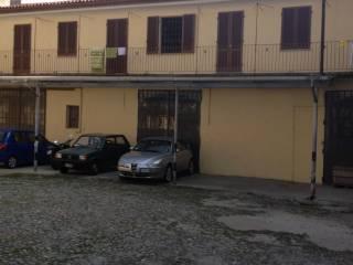 Foto - Bilocale piazza Roma 16, Centro, Pinerolo
