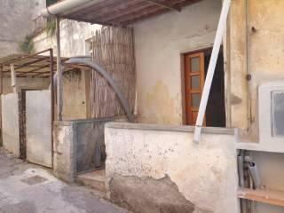 Foto - Trilocale da ristrutturare, piano rialzato, Centro, Vico Equense
