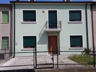 Photo - Single-family townhouse via Toscana, Castelnovo Bariano