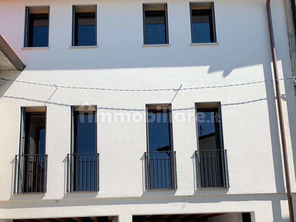 foto  Villa a schiera via Vigne, Lugo di Vicenza