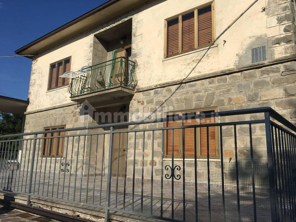 foto  Appartamento in villa via Comunale per Romanoro 6, Frassinoro