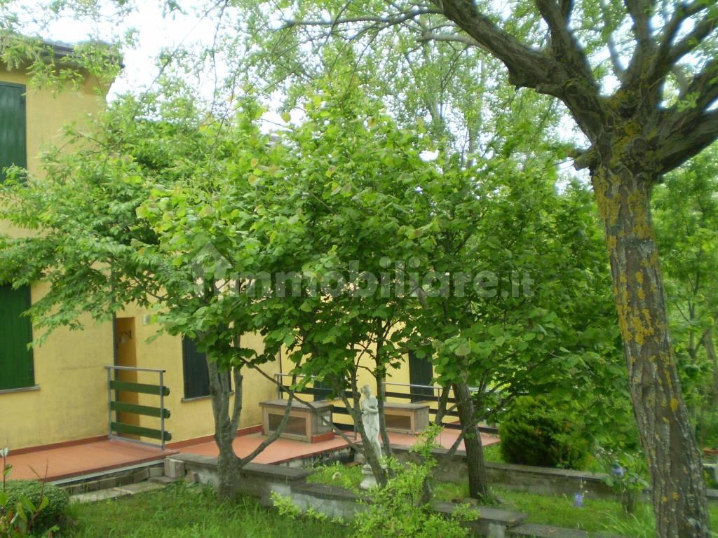 foto  Villa a schiera via Le Balze 6, Casteldelci