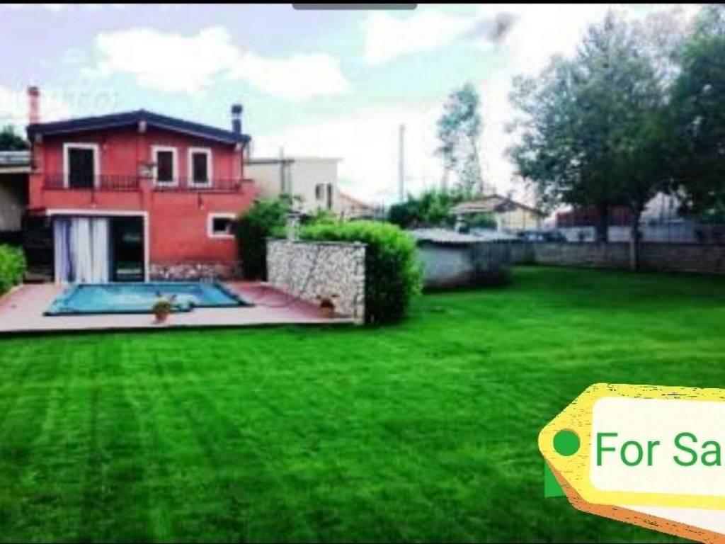 foto  Detached house via Circonvallazione, Torre Cajetani