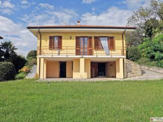 Foto - Villa unifamiliare via Canvale, Laveno, Laveno-Mombello