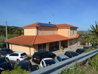 Foto - Villa plurifamiliare, ottimo stato, 350 mq, Soveria Simeri