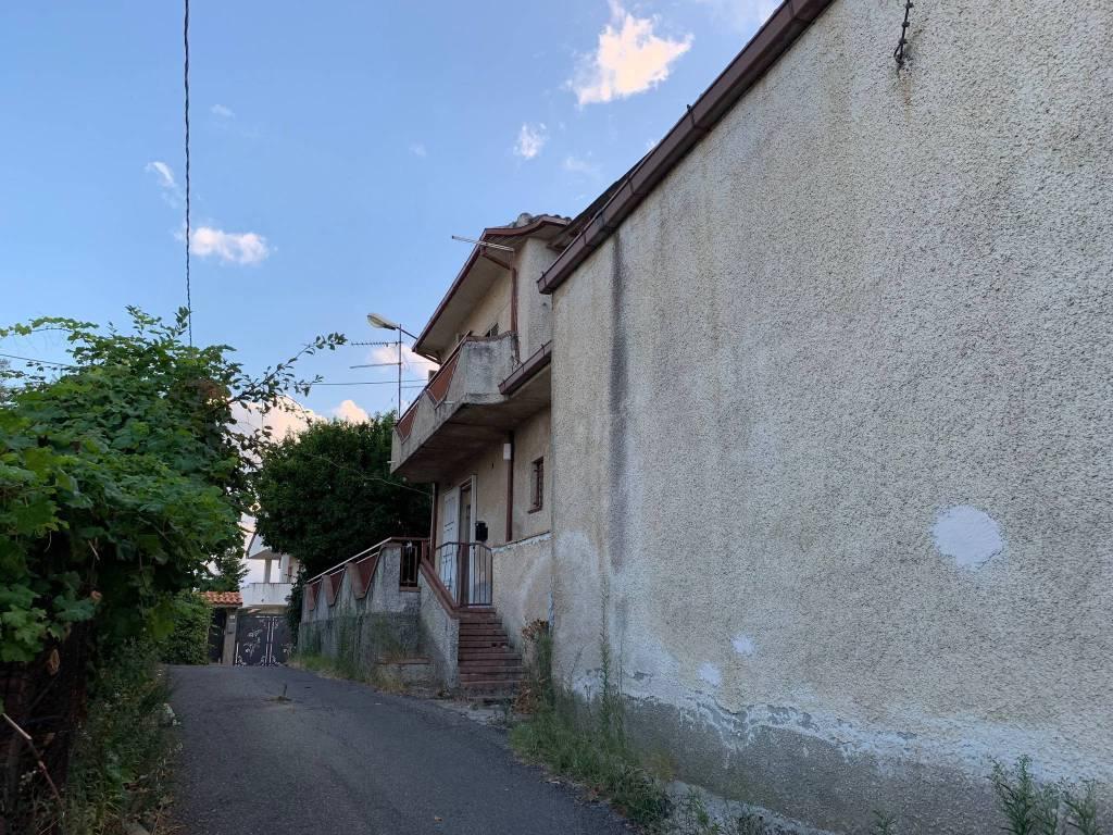 foto  Villa a schiera via Rosario Salerno 36, Rende