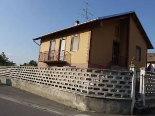 Foto - Villa a schiera via Battista Belluati 1, Motta de' Conti