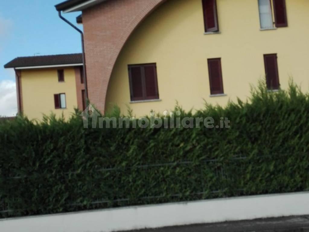 foto  Трехкомнатная квартира via Filanda, Sulbiate