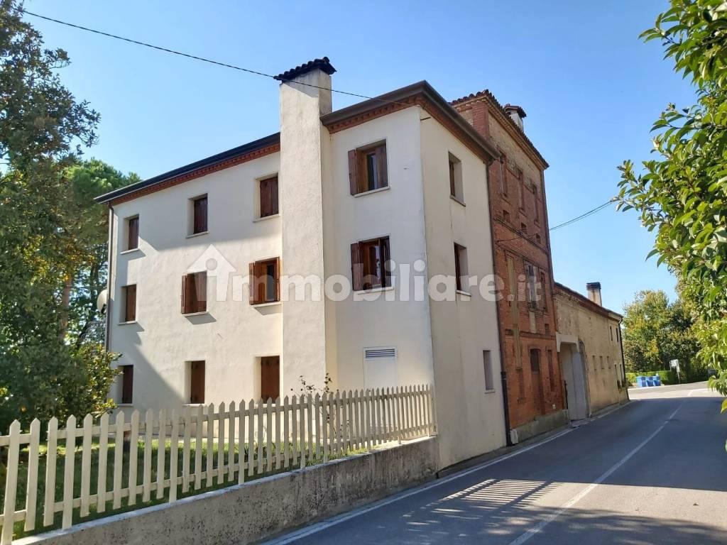 foto  Villa unifamiliare via Castello 8, Pravisdomini