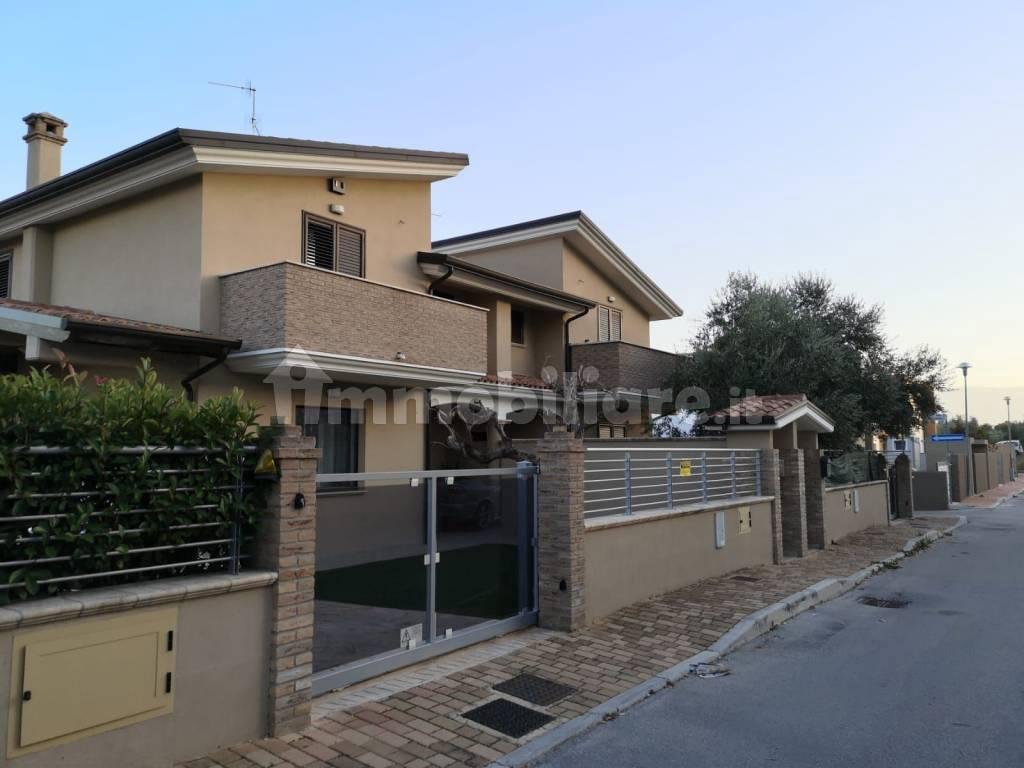 foto  Villa bifamiliare via delle Querce 8, Rosciano