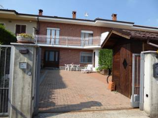 Photo - Terraced house via Modesto Cornaglia 6, Monticello d'Alba