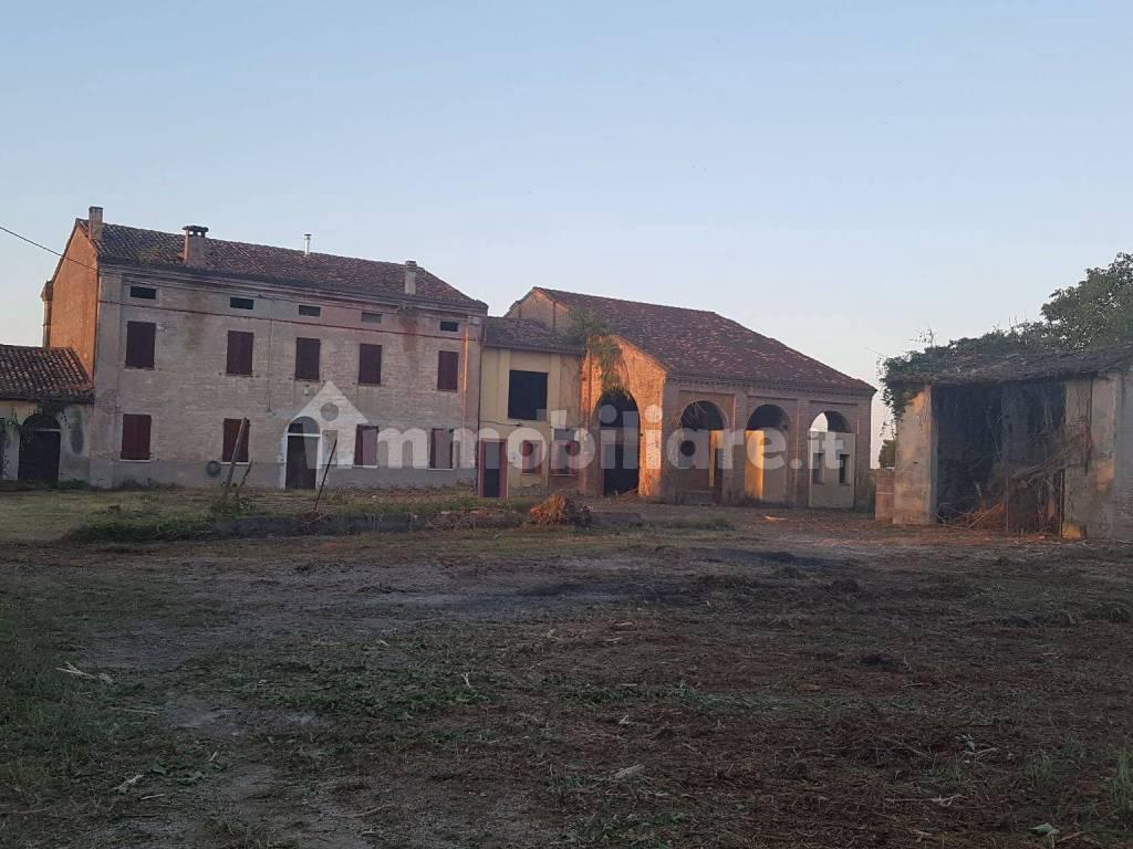 foto  Country house Strada Virgilio 24B, Marcaria