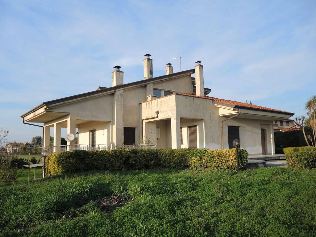 foto  Villa unifamiliare via Bisceglie, Albanella