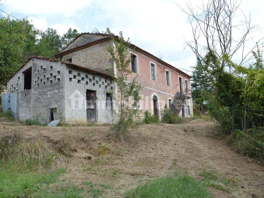 foto  Farmhouse via Valcomperta 3, Sora
