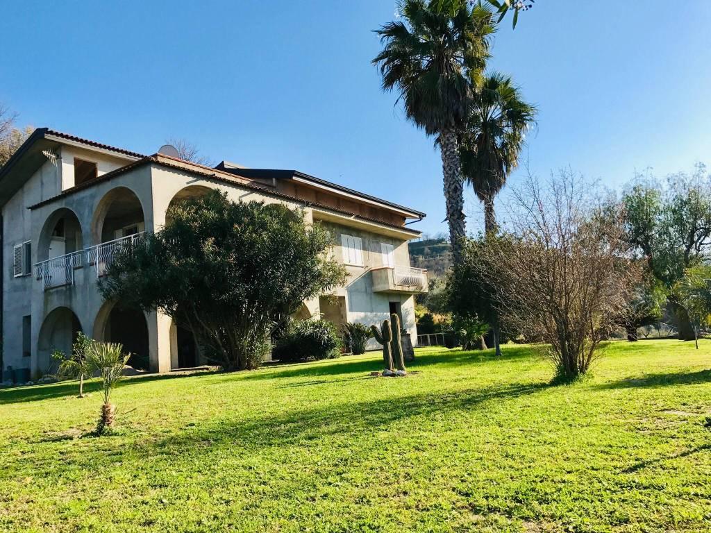 foto  Single family villa via Giovanni Falcone, Isca sullo Ionio