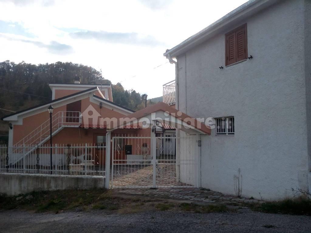 foto  Villa unifamiliare Contrada Bosco 9, Civitella Casanova