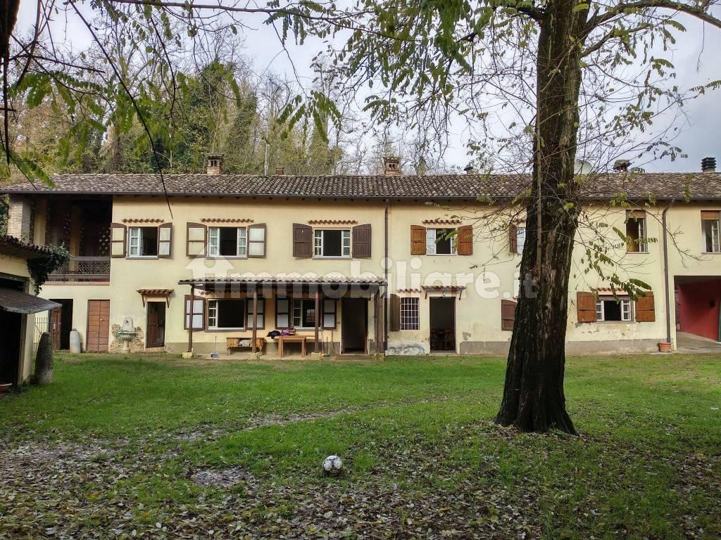 foto  Αγροικία frazione Castelnovo 113, Borgonovo Val Tidone