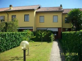 Foto - Villa a schiera via Brabbia, 123, Centro, Castelletto Sopra Ticino