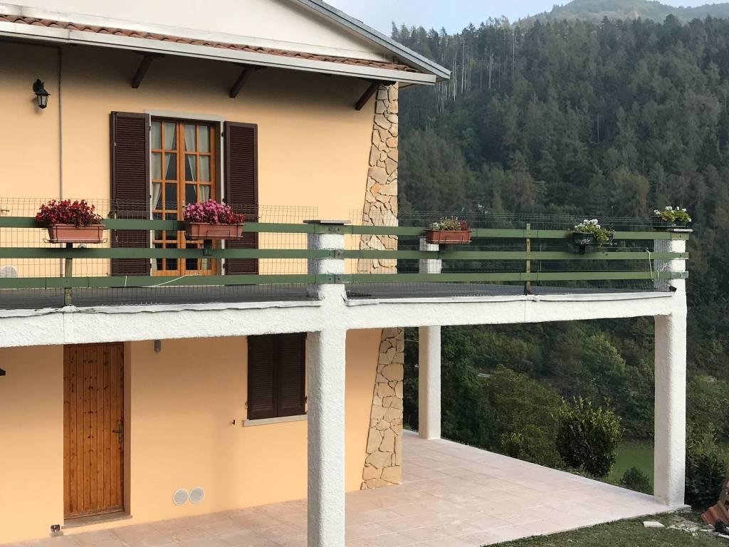 foto  Villa bifamiliare Località Mezzavilla, Ferrara di Monte Baldo