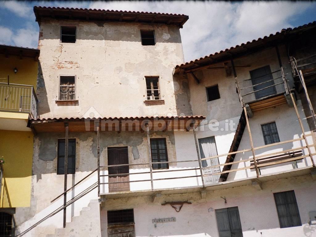 foto  Country house via Giuseppe Mazzini 12, Bogogno