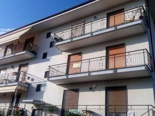Photo - 3-room flat via Giretti 6, Bricherasio