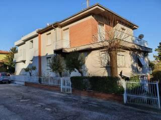 Foto - Villa a schiera via Francesco Petrarca 27, Centro, San Severino Marche