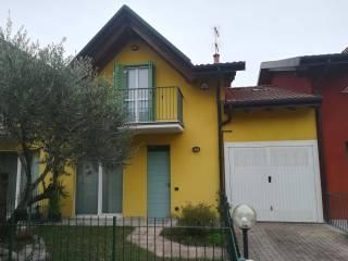 Foto - Villa a schiera via Valserena 269, Cadrezzate con Osmate