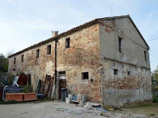 Foto - Casa colonica via Vittoria Colonna, Castel Colonna, Trecastelli