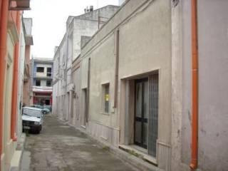 Foto - Quadrilocale Vico Puccini 9, San Donaci
