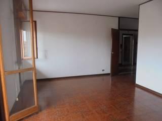 Foto - Appartamento via Enrico De Nicola 3, Lendinara