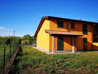 Foto - Villa a schiera via Sette Martiri, Portalbera
