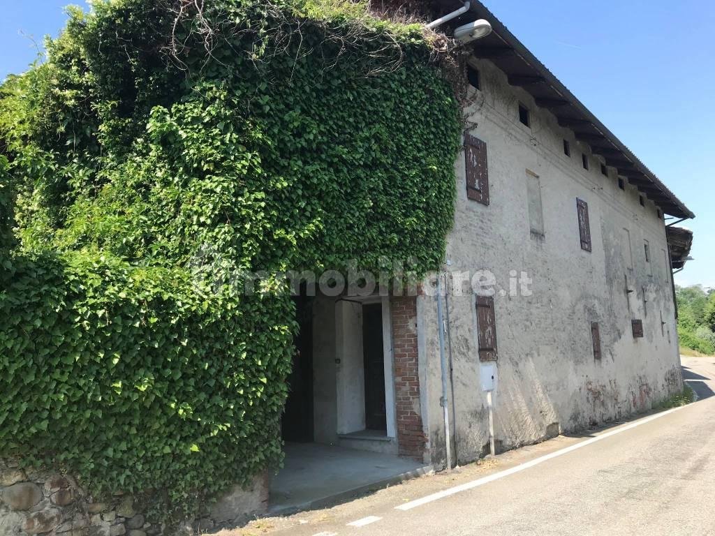 foto  Farmhouse via Cauto per la Patria 13, Azeglio