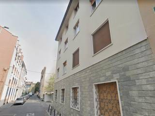 Palazzo / Stabile Vendita Baranzate