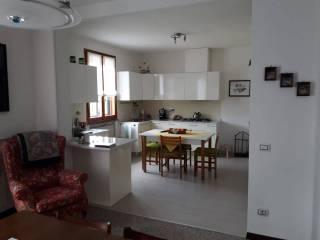 Foto - Villa a schiera via Sinistra Guerro 49, Centro, Castelvetro di Modena