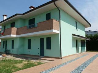 Photo - Two-family villa via Canarin, Villa Bartolomea