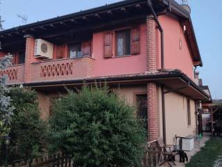 Foto - Villa bifamiliare via Don Giovanni Bosco 17, Salvirola