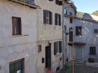 Foto - Terratetto unifamiliare piazza del Mercato 5, Anticoli Corrado