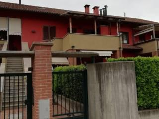 Foto - Appartamento in villa via Volontari del Sangue 37, Cavour