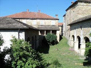 Foto - Villa plurifamiliare, buono stato, 1500 mq, Toano