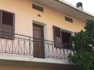 Foto - Appartamento via Grazia Deledda 3, Laconi