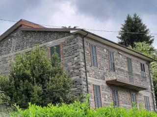 Foto - Villa a schiera via Alessandro Volta 5, Piazza al Serchio